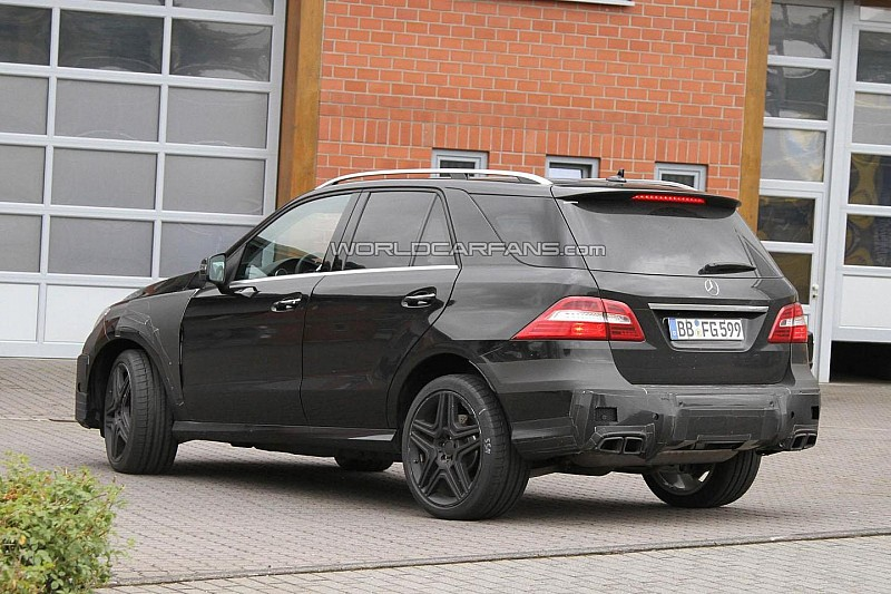 2012 Mercedes ML63 AMG spied with minimal camouflage