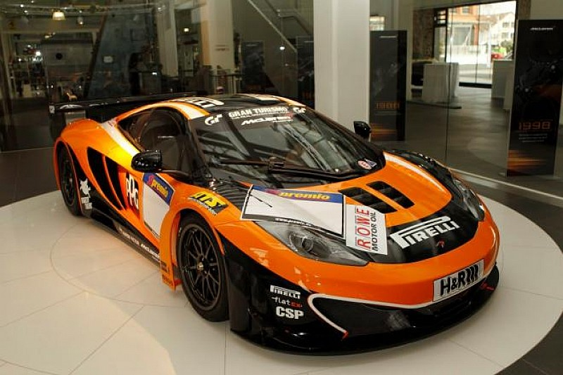 McLaren MP4-12C GT3 in race livery revealed