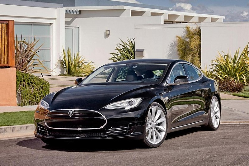 Tesla Model S priced in Europe from 72,600 EUR