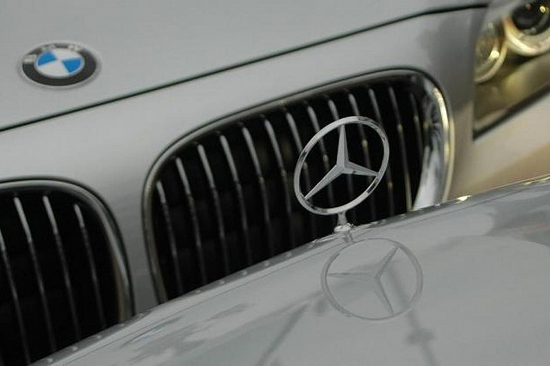 BMW topped Mercedes-Benz last year in U.S. by 7,326 cars