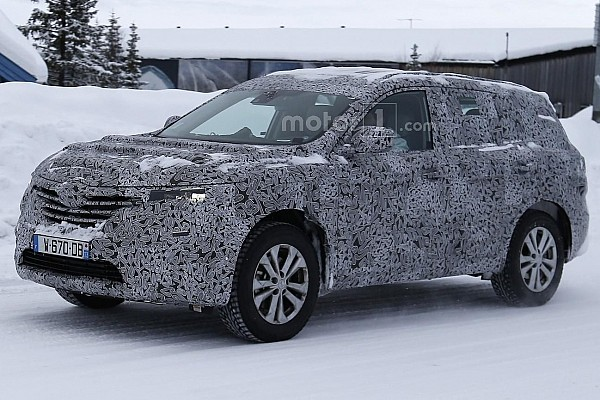 Renault Maxthon seven-seat SUV spied during final testing
