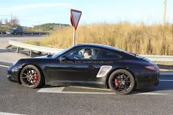 2012 Porsche 911 spied close 11.11.2010