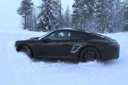 2012 Porsche 911 spied stuck in snow 19.01.2011