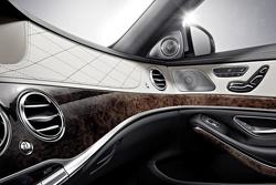 2014 Mercedes-Benz S-Class official interior photo