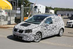 2014 Volkswagen Golf Plus spy photo 23.8.2013