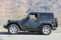2018 Jeep Wrangler mule spied for the first time