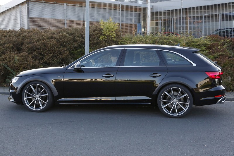 2017-audi-​rs4-avant-​spy-photo