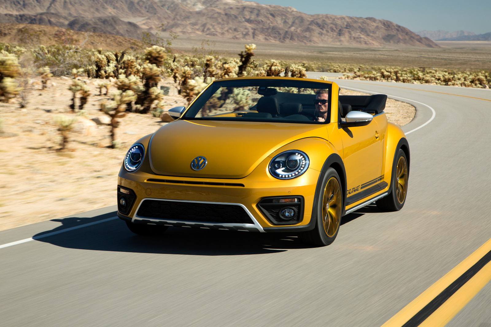 2011 - [Volkswagen] Coccinelle [VW329] - Page 23 00
