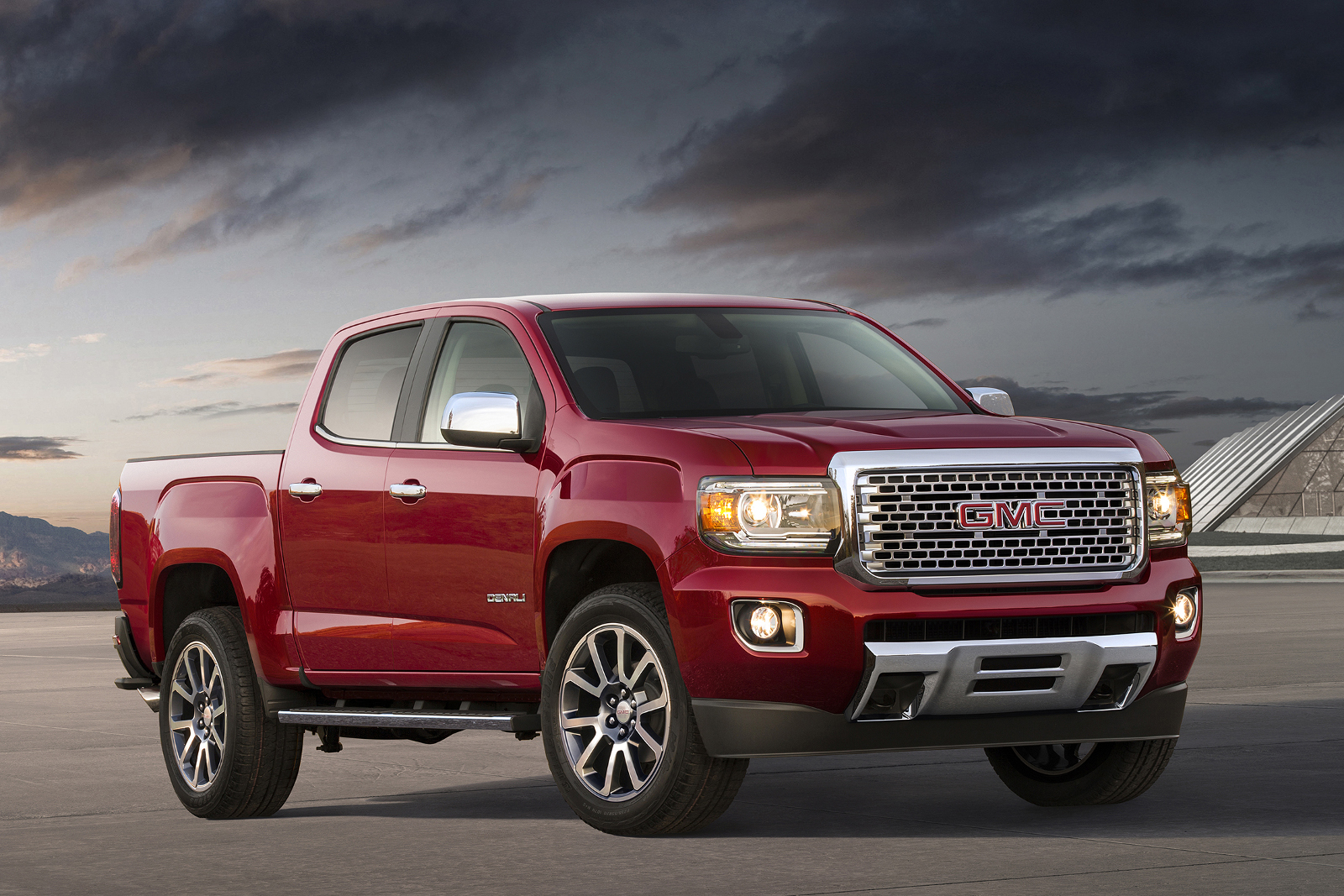 Thread 2017 gmc canyon denali revealed the industry s first premium midsize truck